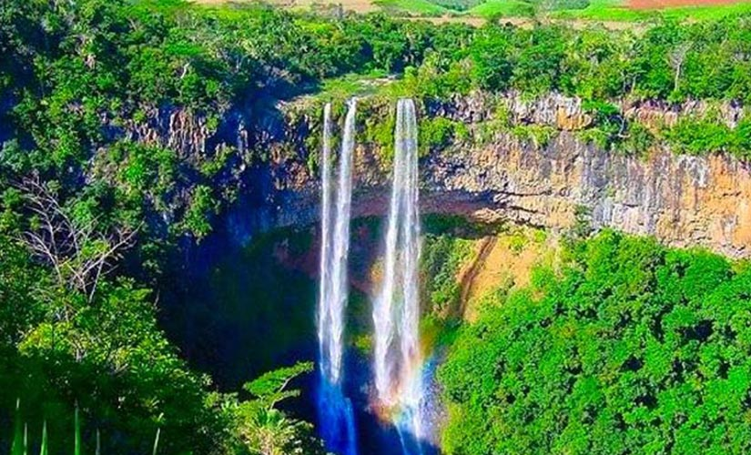 palmier-tour-agence-de-voyages-chamarel-waterfall
