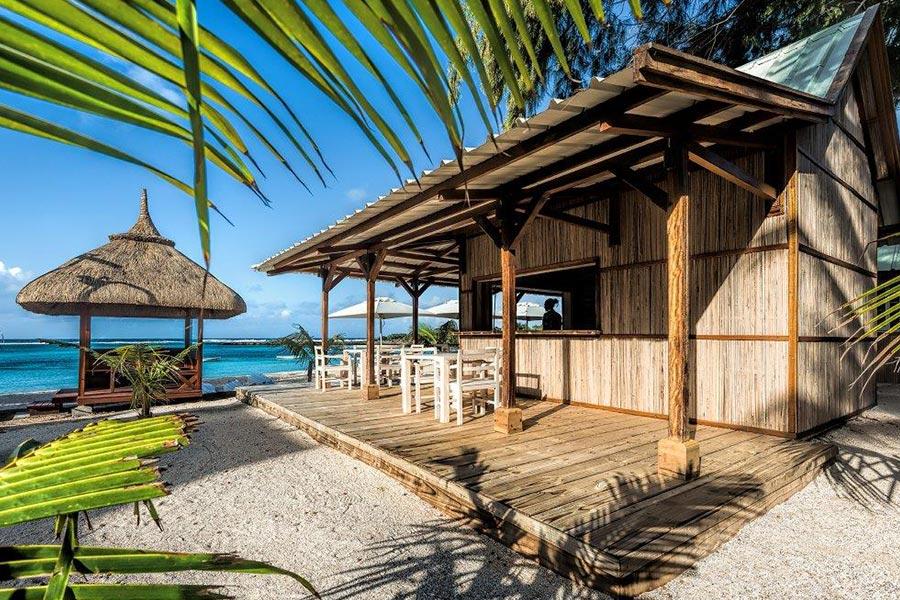 palmier-tour-agence-de-voyages-resto-plage